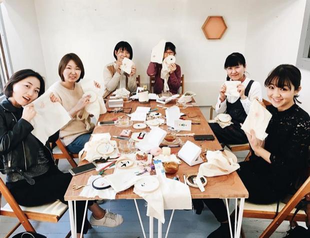 Un taller de la bordadora en Tokyo